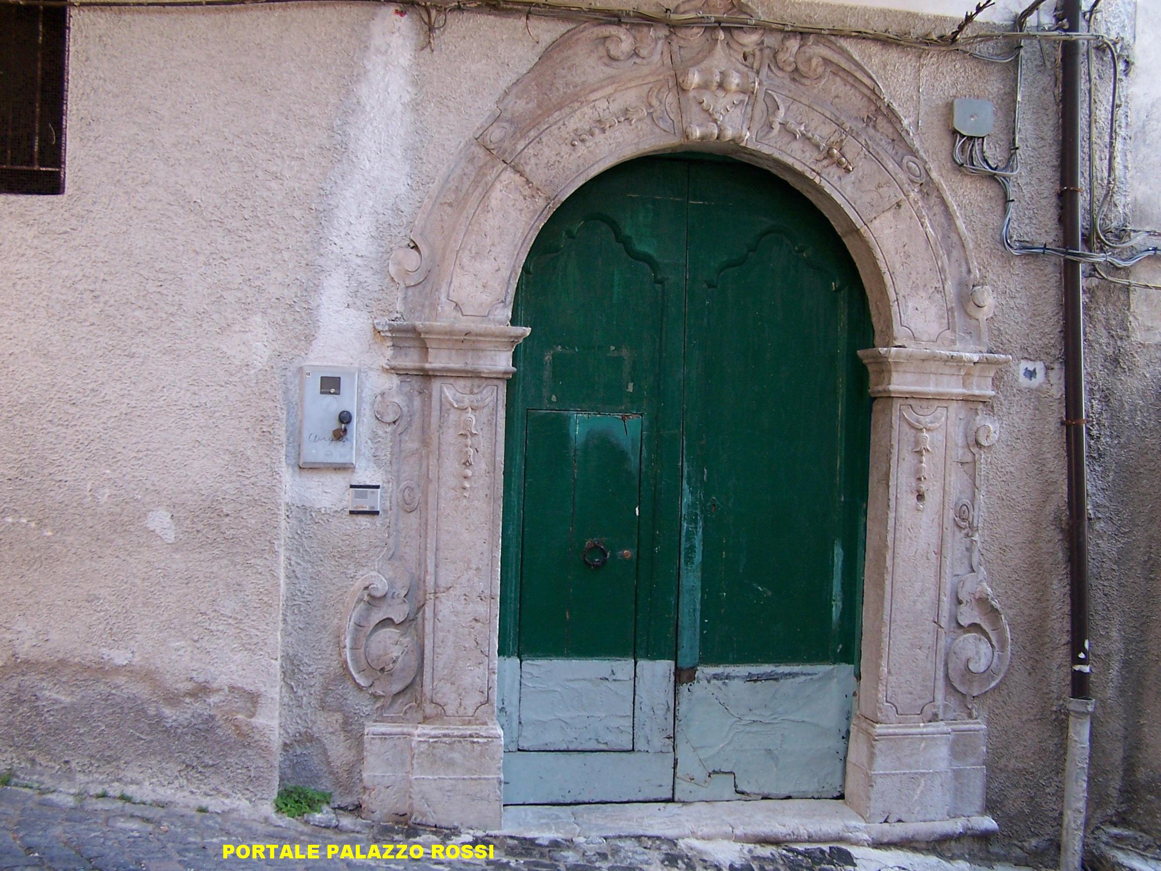 Portale palazzo Nicola Rossi (Via Nicola Rossi)