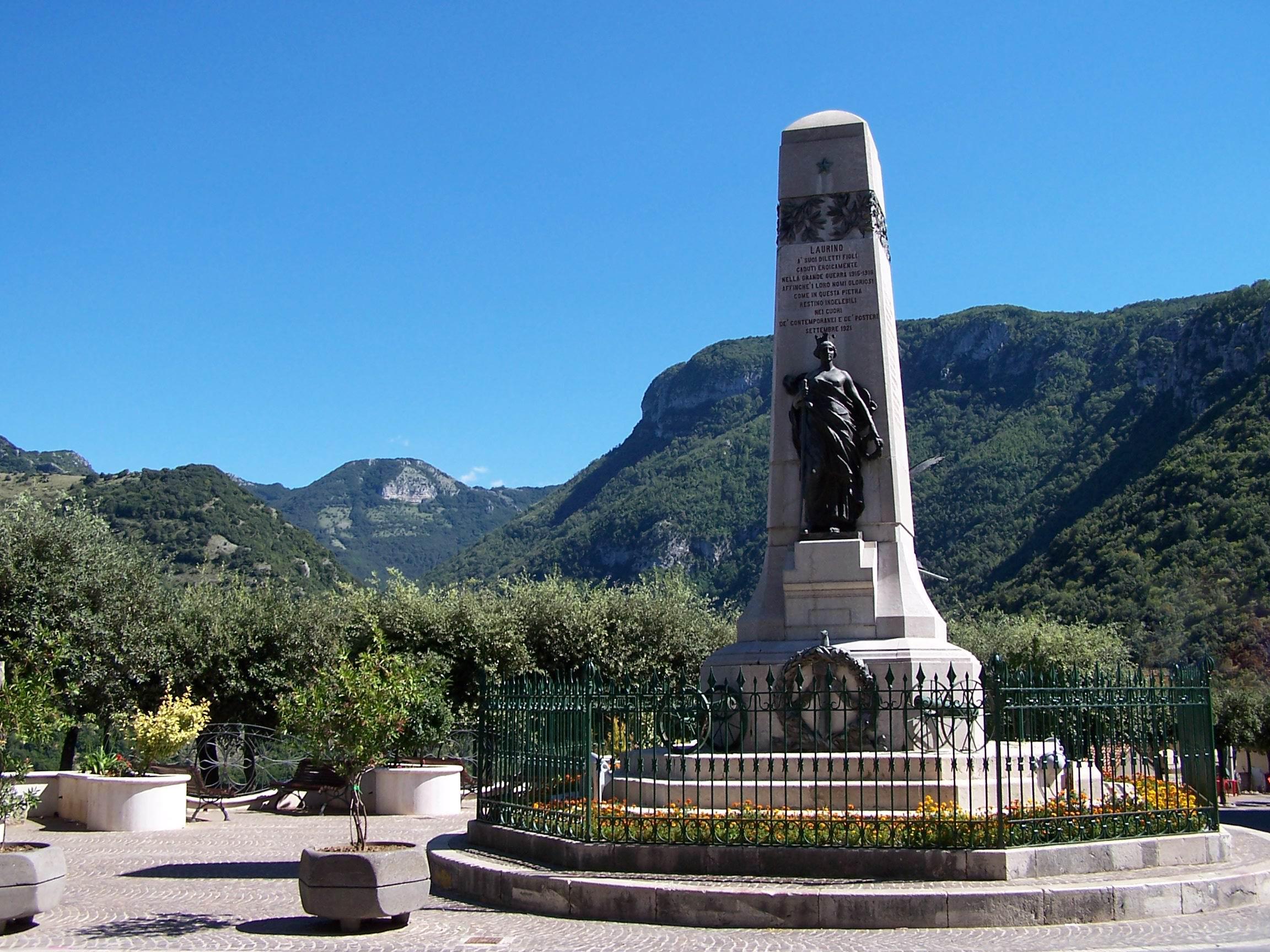 P.zza A. Magliani - Monumento ai caduti